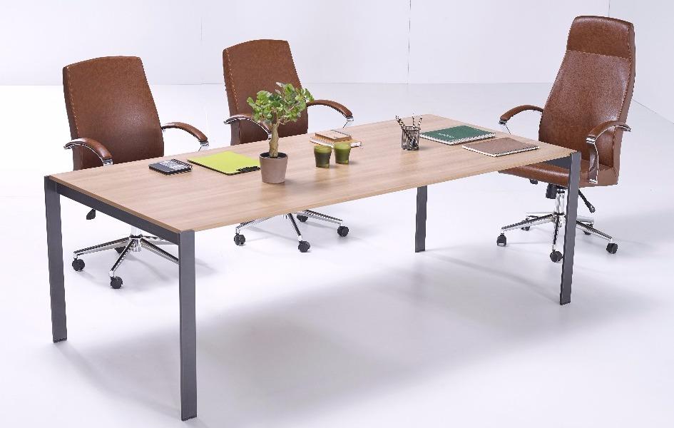 Stable Toplantı Masası