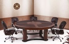 Round Pirus Wooden Meeting Table